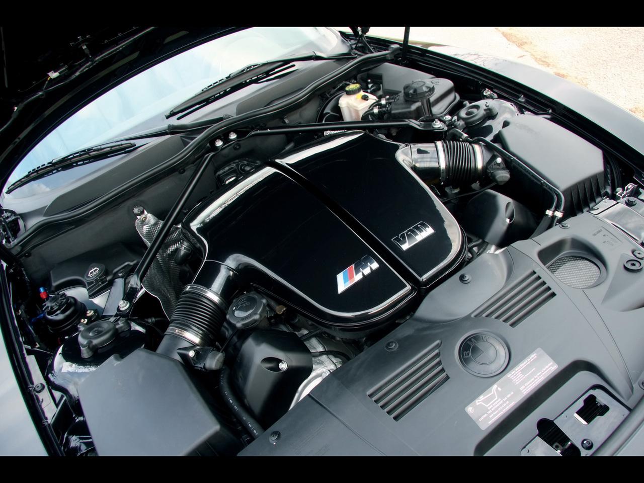2010-Manhart-Racing-BMW-Z4-V10-Engine-Compartment-1280x960.jpg