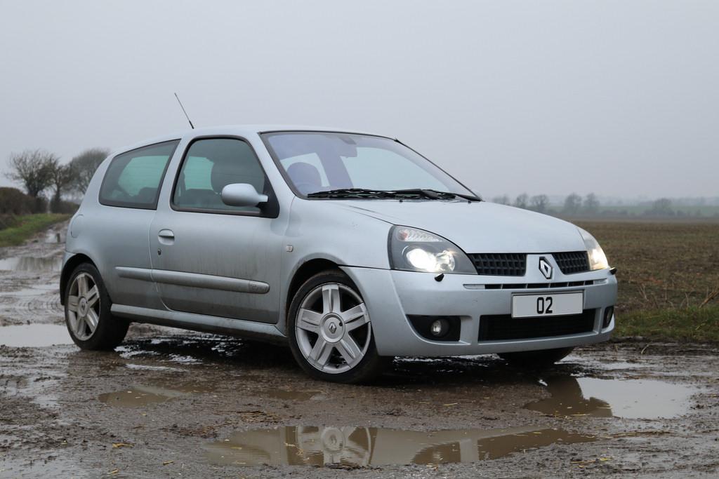 2002 Clio 172