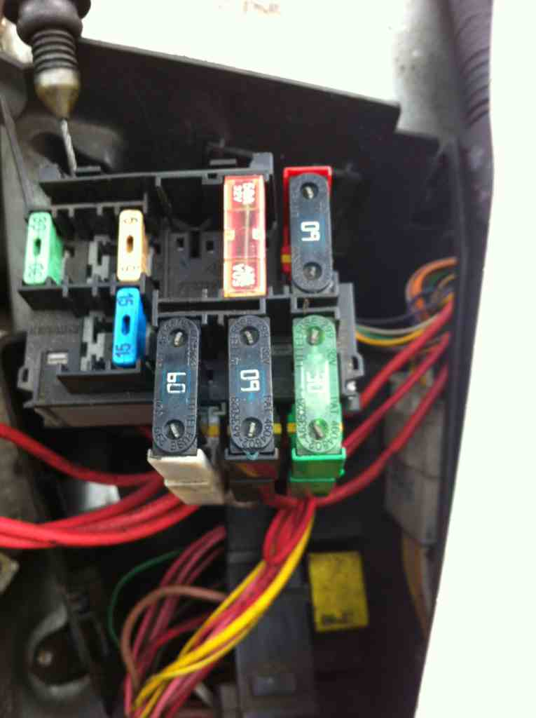 Renault Clio Fuse Box Under Bonnet