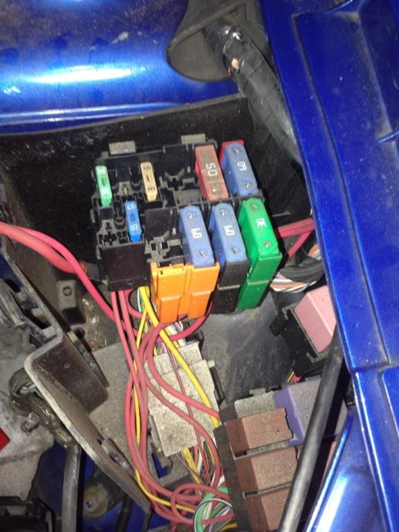my turbo 182 ) cliosport net renault kangoo engine bay fuse box at creativeand.co