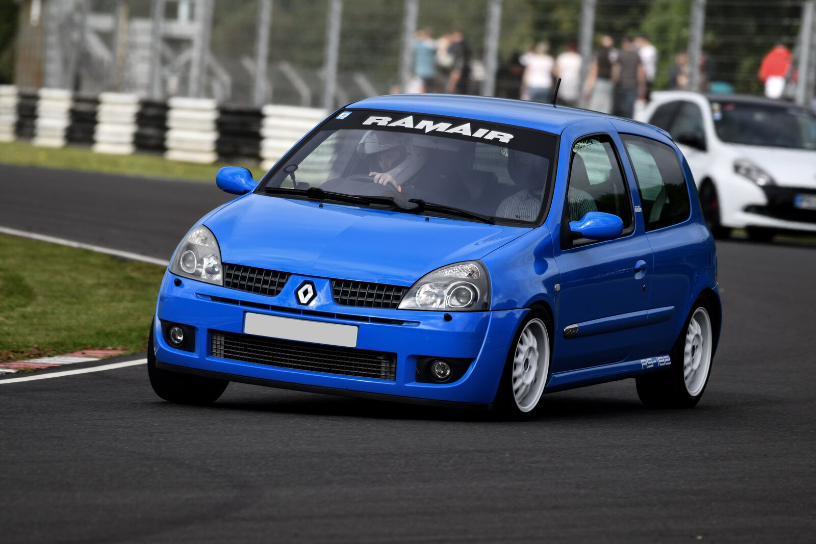 Clio @ Forge Action Combe no plate.jpg