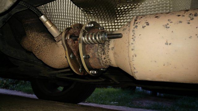 Exhaust manifold to cat bolts rusted / missing | ClioSport net